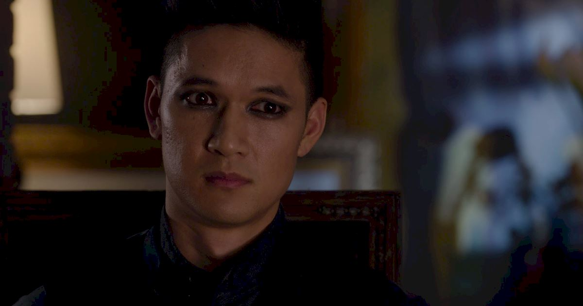Shadowhunters - A Malecsplosion: The Most Amazing, Magical, Romantic Moments From Episode 12! - 1023