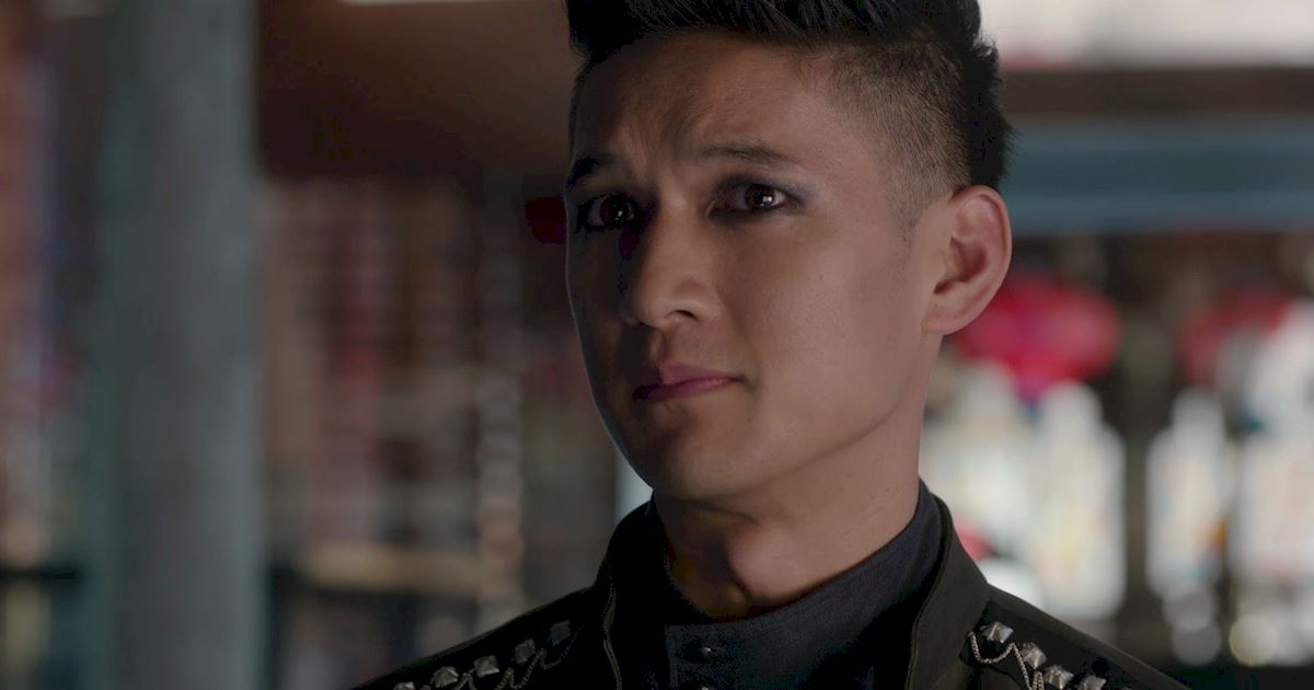 Shadowhunters - A Malecsplosion: The Most Amazing, Magical, Romantic Moments From Episode 12! - 1013