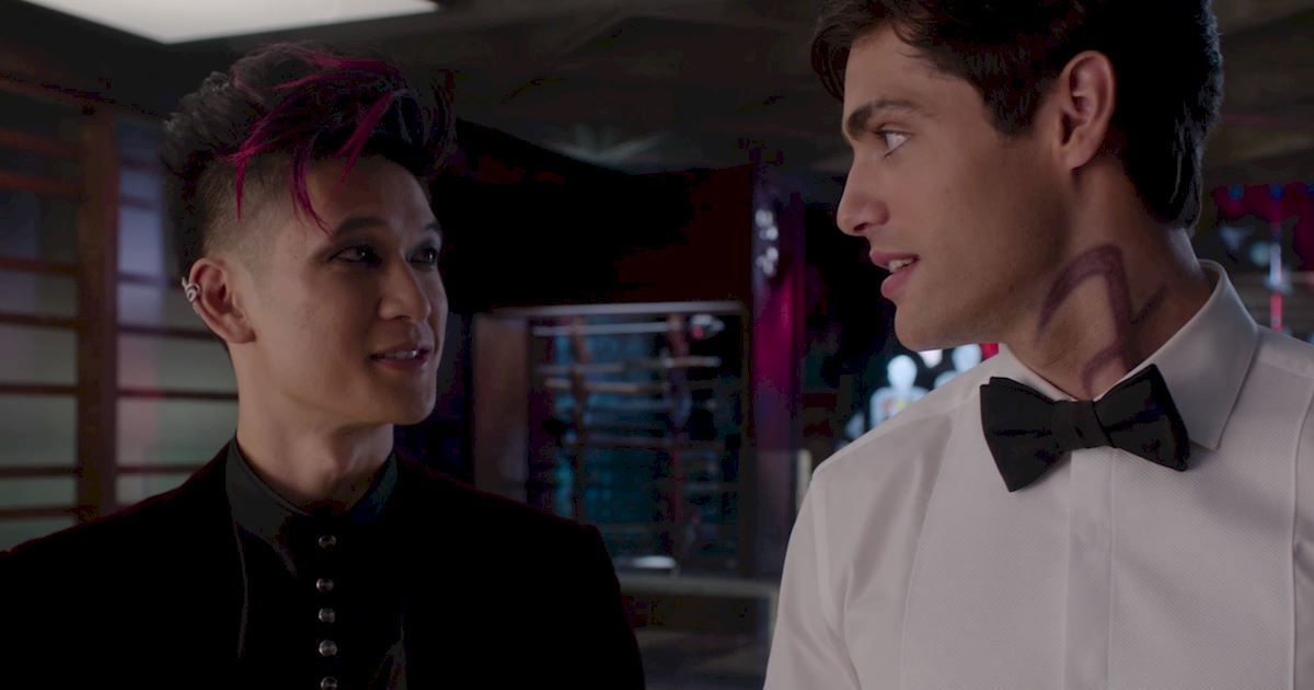Shadowhunters - A Malecsplosion: The Most Amazing, Magical, Romantic Moments From Episode 12! - 1042