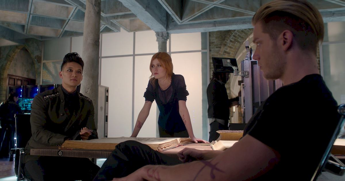 Shadowhunters - 26 Things We Learned In Episode 12 That Changed Everything - 1005