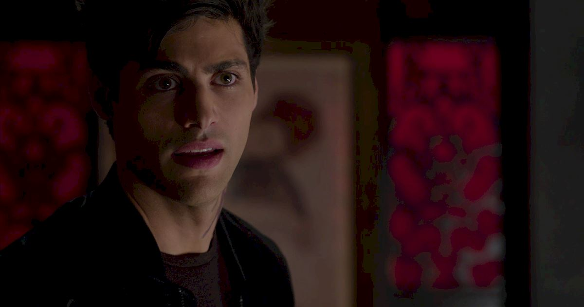 Shadowhunters - A Malecsplosion: The Most Amazing, Magical, Romantic Moments From Episode 12! - 1006