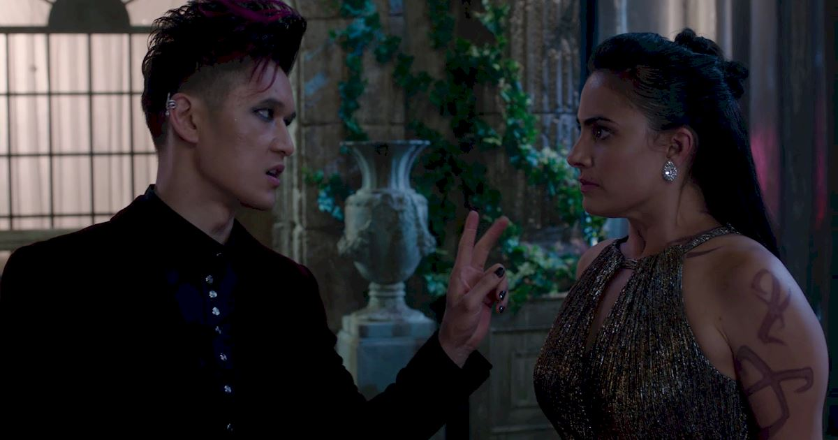 Shadowhunters - A Malecsplosion: The Most Amazing, Magical, Romantic Moments From Episode 12! - 1028