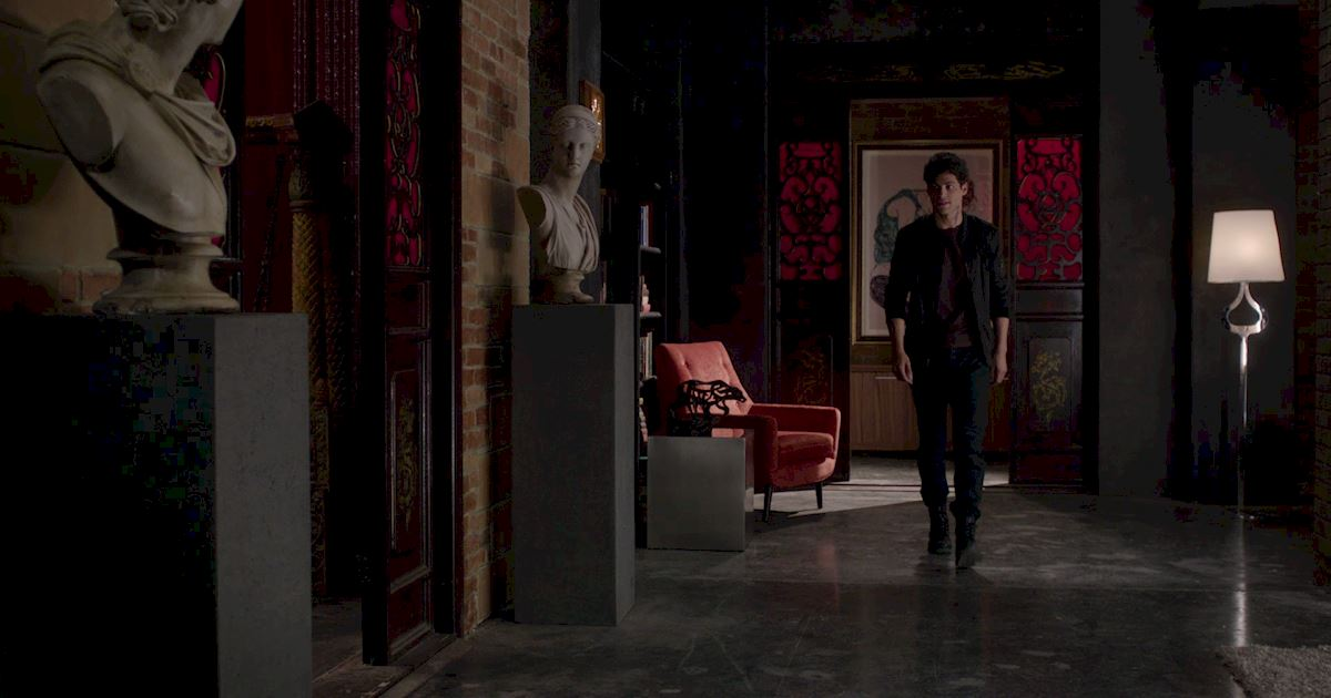 Shadowhunters - A Malecsplosion: The Most Amazing, Magical, Romantic Moments From Episode 12! - 1003