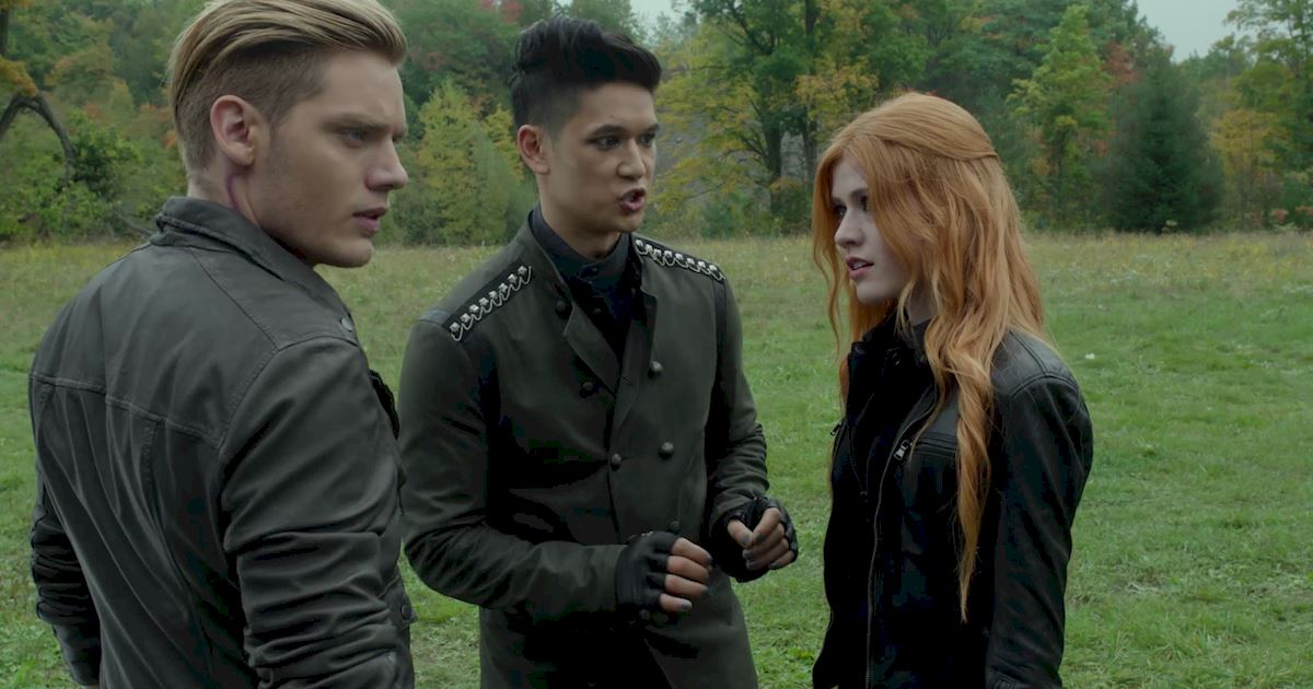Shadowhunters - Official Recap Of Episode 12: Magic, Moles and Malec! - 1008