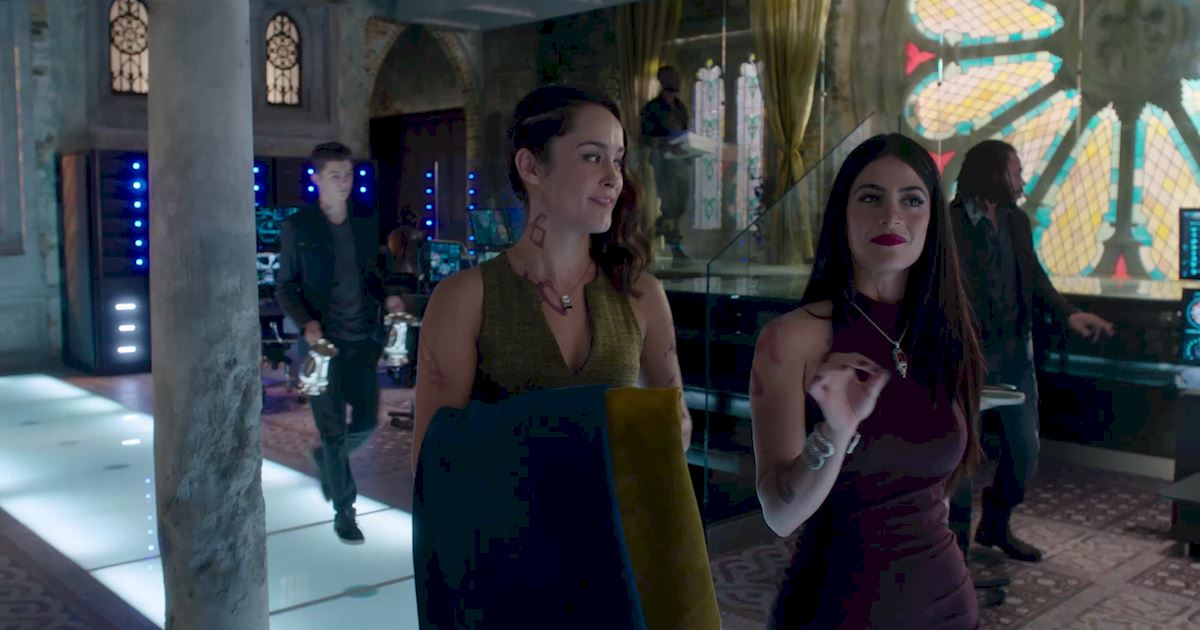 Shadowhunters - Official Recap Of Episode 12: Magic, Moles and Malec! - 1001