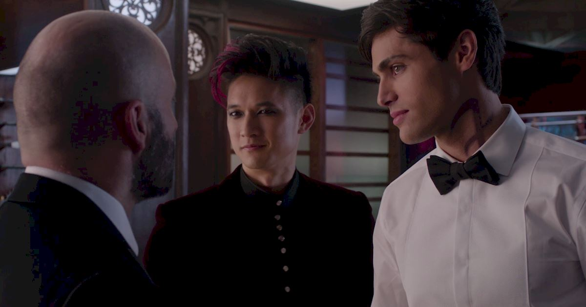 Shadowhunters - Official Recap Of Episode 12: Magic, Moles and Malec! - 1022