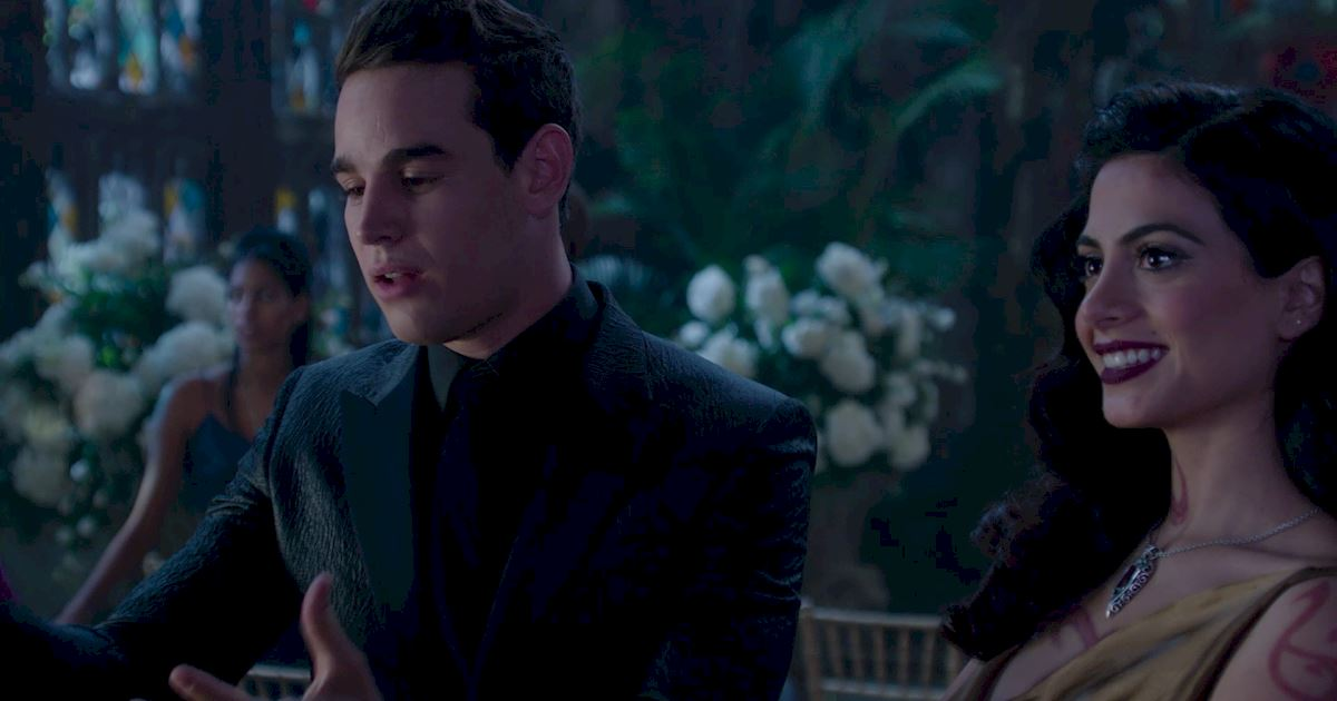 Shadowhunters - Official Recap Of Episode 12: Magic, Moles and Malec! - 1018