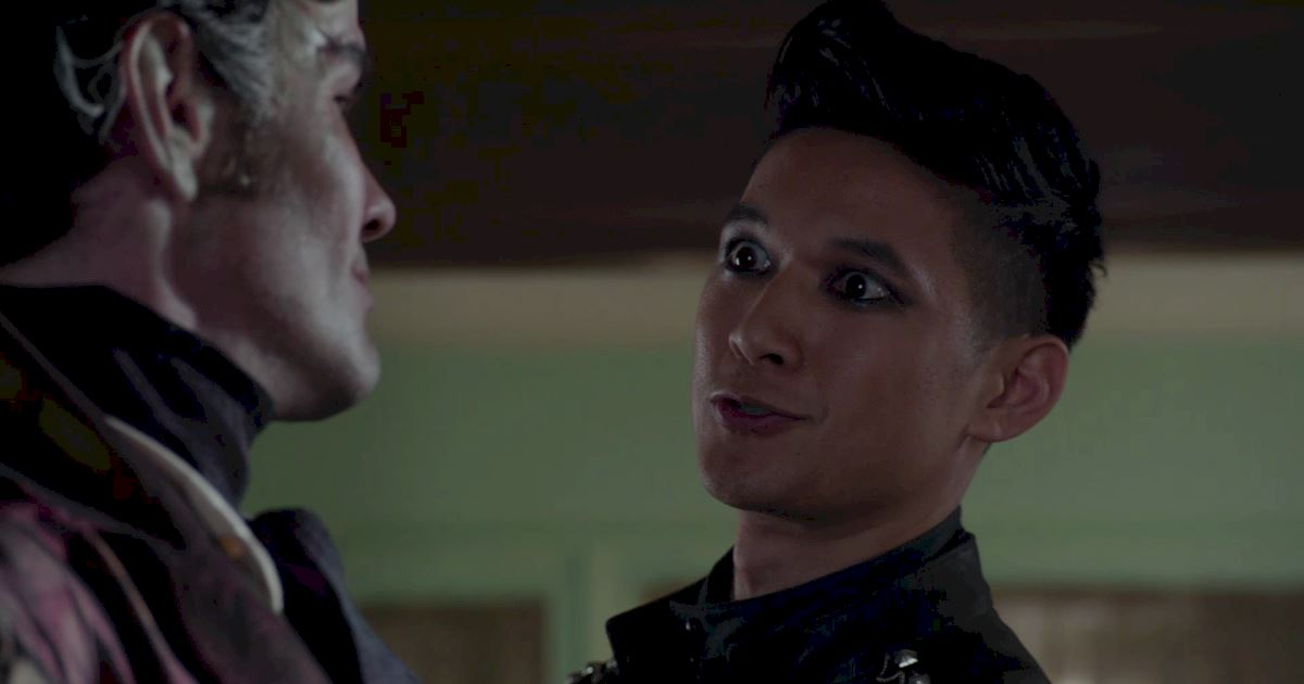 Shadowhunters - 50 Moments You Might Have Missed From Episode 12: Malec! - 1019