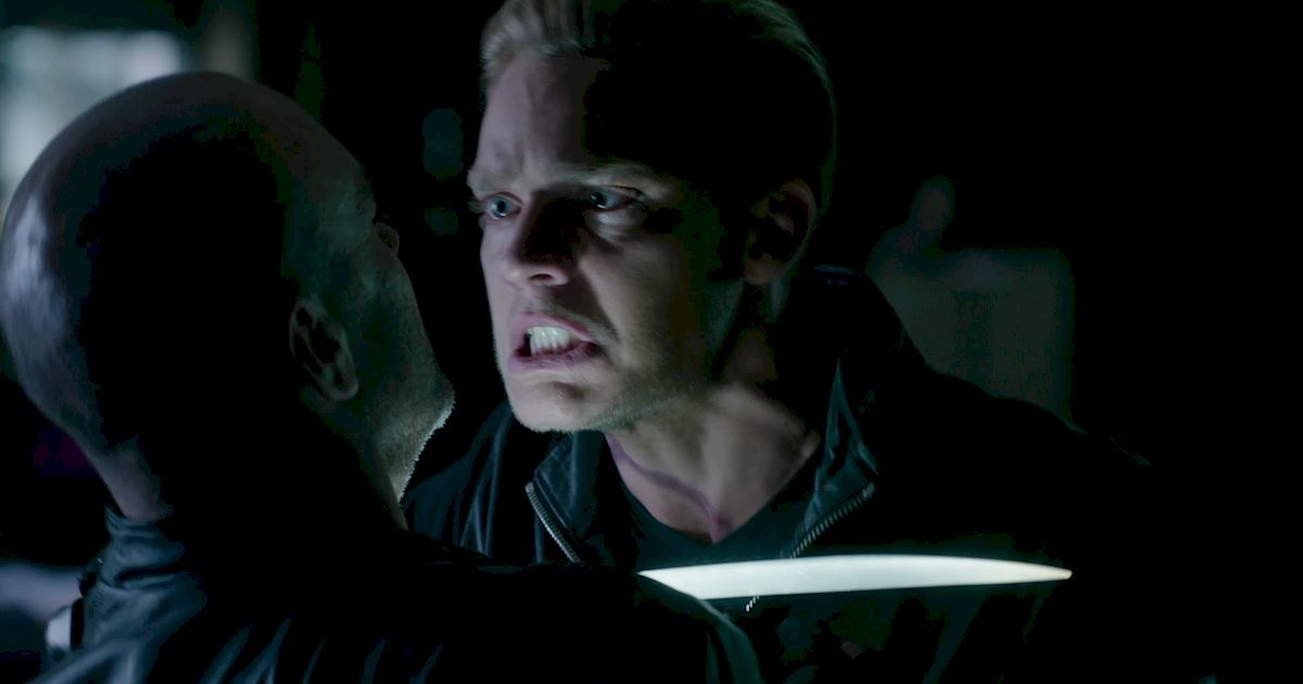 Shadowhunters - Exclusive Finale Sneak Peak: Clace Are Fighting And They Need Simon's Help! - 1004