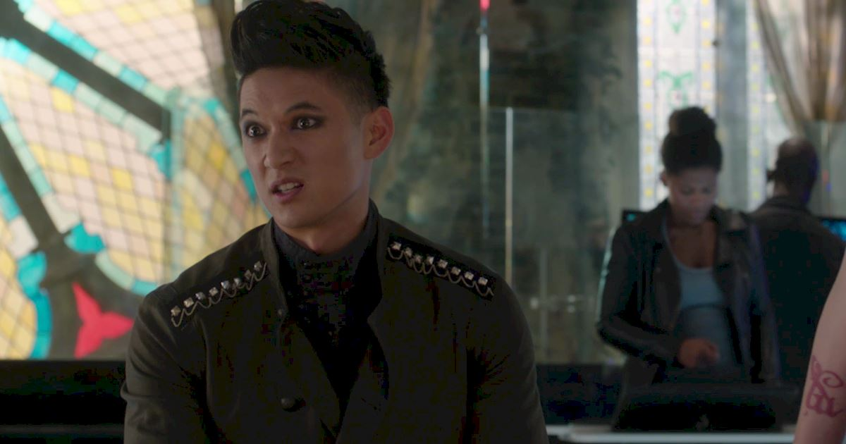 Shadowhunters - 50 Moments You Might Have Missed From Episode 12: Malec! - 1008