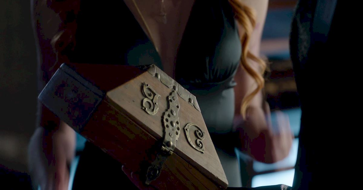Shadowhunters - Exclusive Finale Sneak Peak: Clace Are Fighting And They Need Simon's Help! - 1007