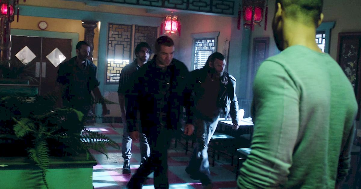Shadowhunters - Exclusive Finale Sneak Peak: Jalec And The Werewolves Are Looking For Hodge!  - 1007