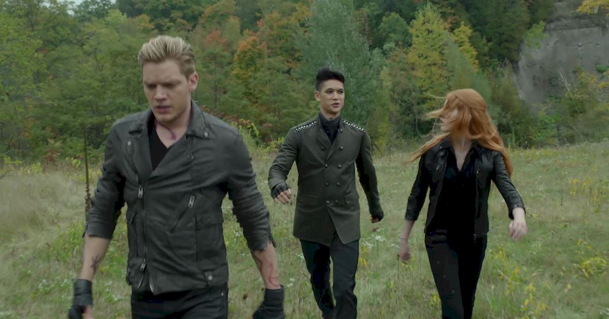 Shadowhunters - 50 Moments You Might Have Missed From Episode 12: Malec! - 1016