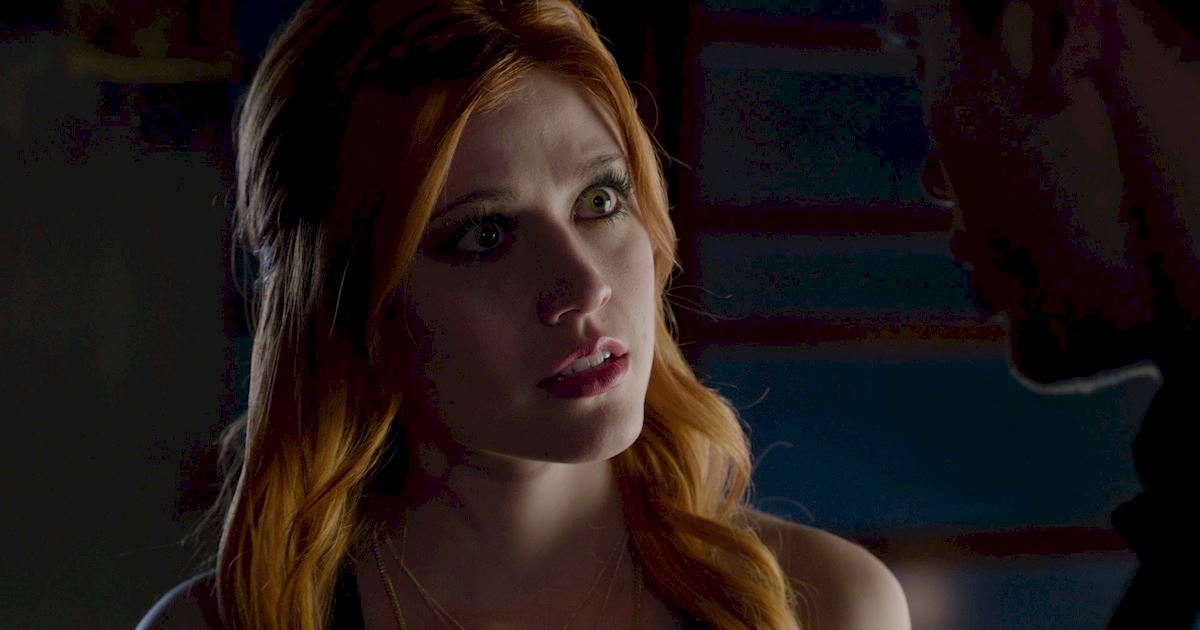 Shadowhunters - Exclusive Finale Sneak Peak: Clace Are Fighting And They Need Simon's Help! - 1005