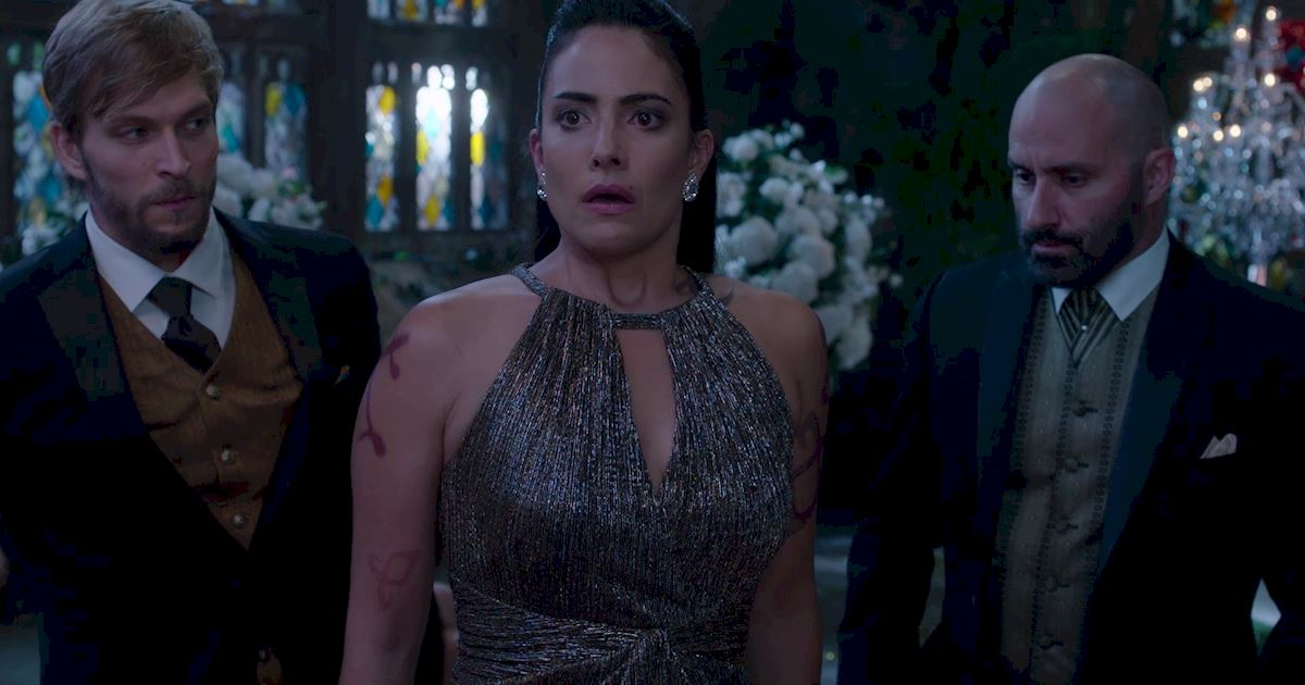 Shadowhunters - 50 Moments You Might Have Missed From Episode 12: Malec! - 1042