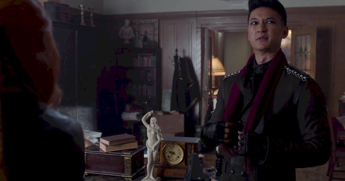Shadowhunters - 50 Moments You Might Have Missed From Episode 12: Malec! - 1021