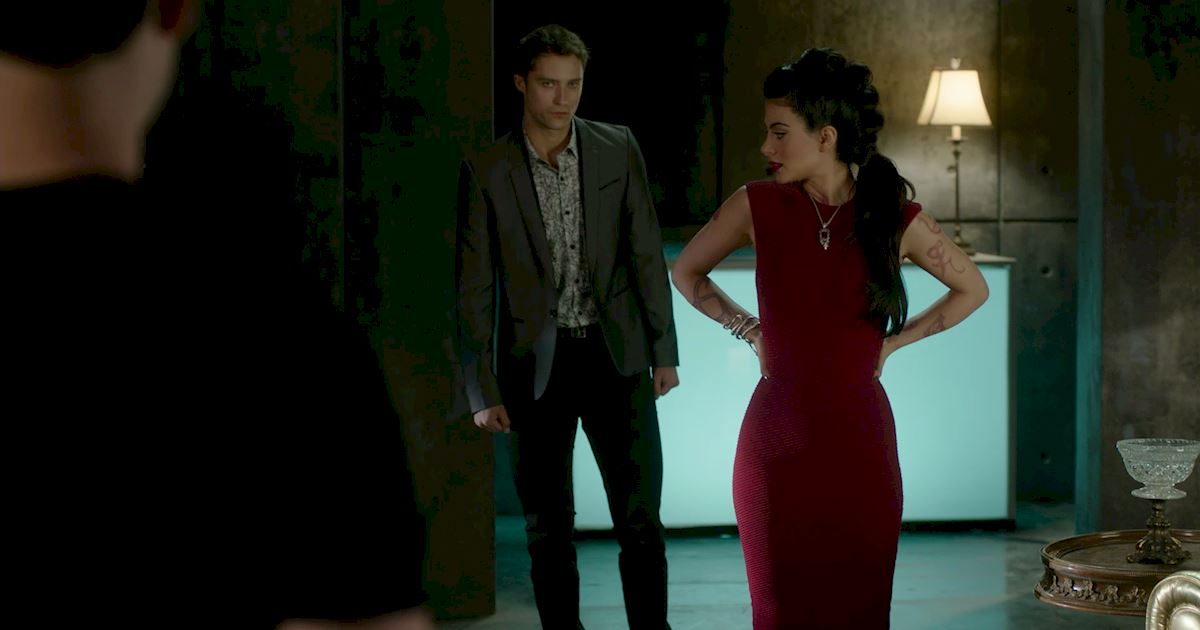 Shadowhunters - 50 Moments You Might Have Missed From Episode 12: Malec! - 1026