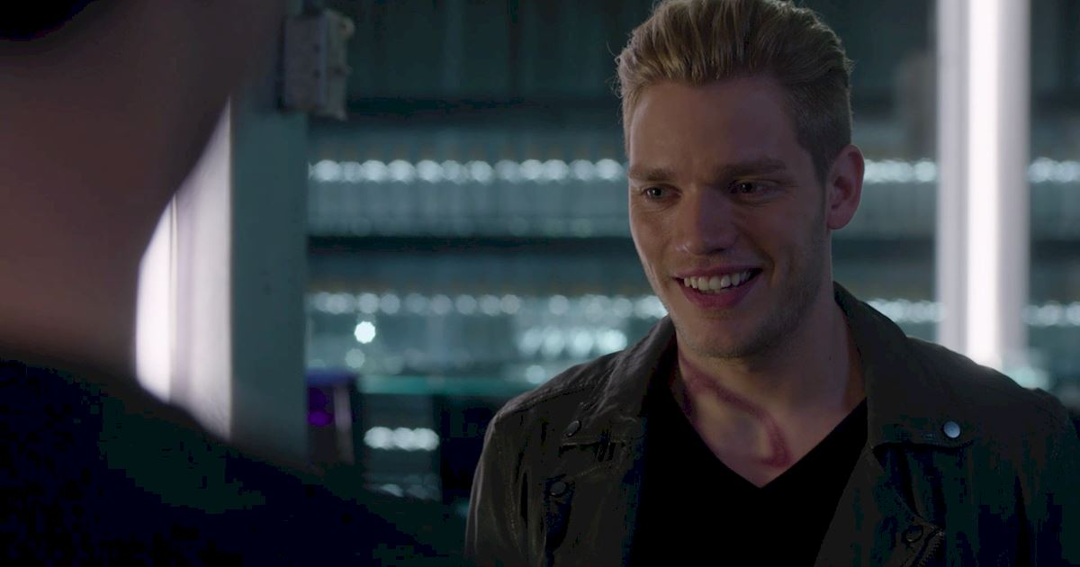 Shadowhunters - 50 Moments You Might Have Missed From Episode 12: Malec! - 1034