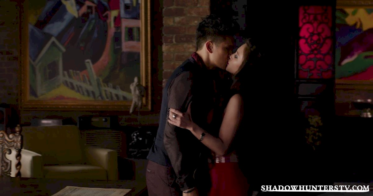 Shadowhunters - 37 Unbelievable Things We Learned In The Shocking Season Finale! - 1028