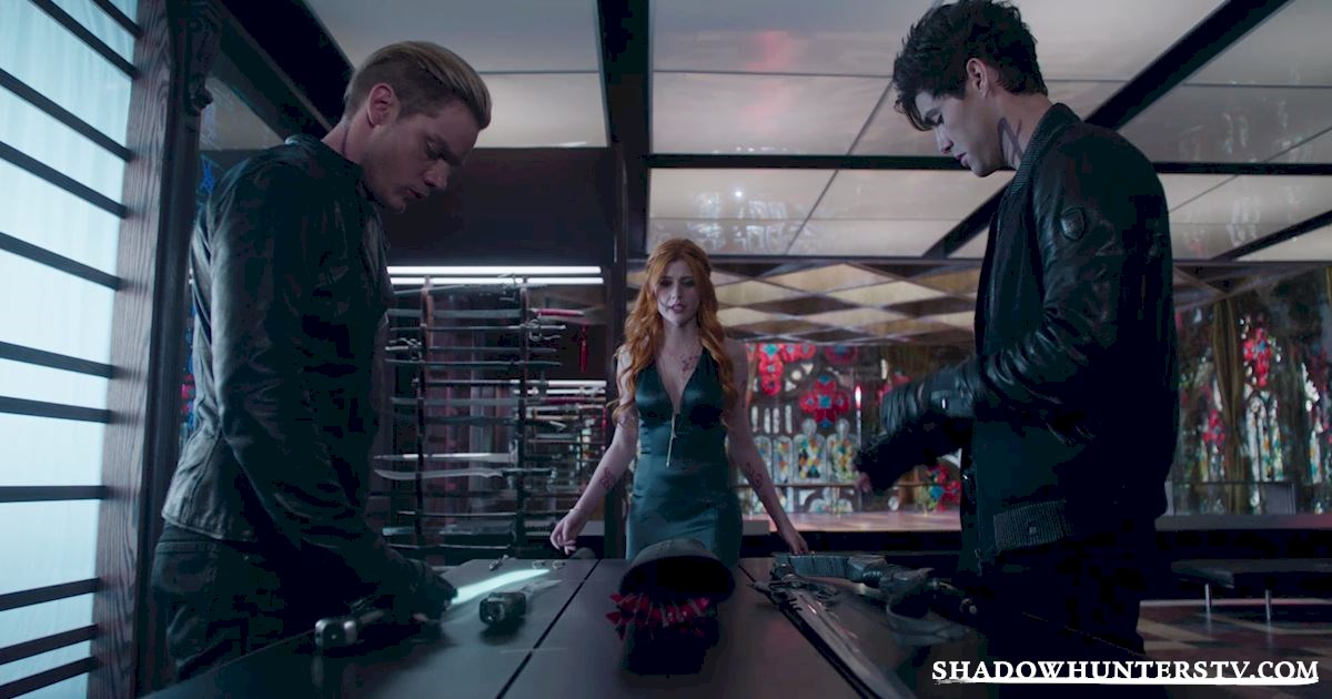Shadowhunters - 37 Unbelievable Things We Learned In The Shocking Season Finale! - 1010
