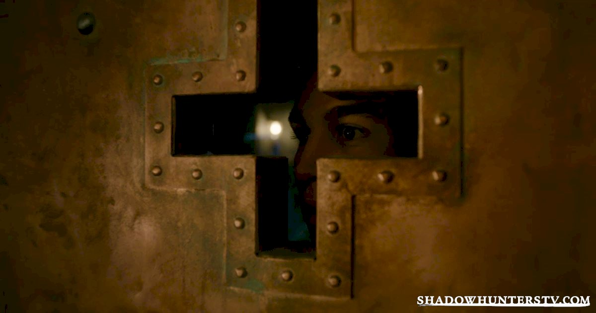 Shadowhunters - 40 Moments You Might Have Missed From The Season One Finale! - 1021
