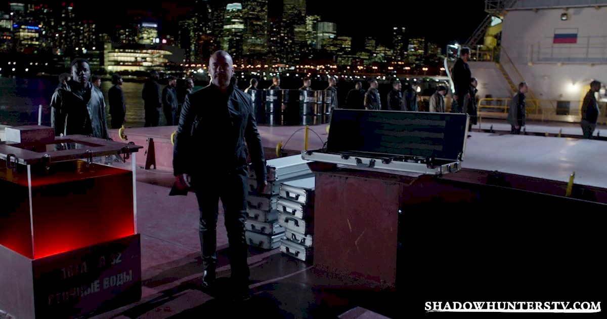 Shadowhunters - 40 Moments You Might Have Missed From The Season One Finale! - 1005