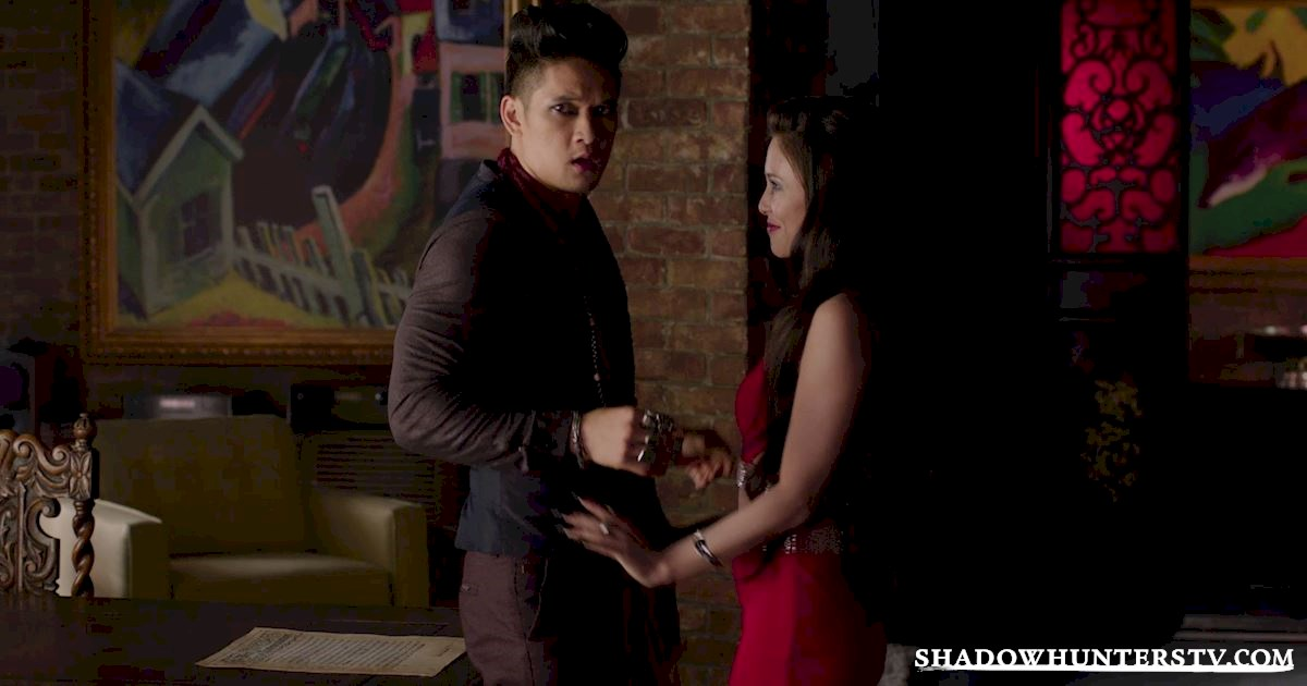 Shadowhunters - 40 Moments You Might Have Missed From The Season One Finale! - 1026