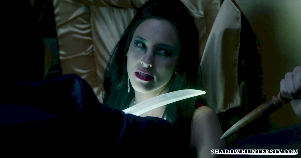 Shadowhunters - 40 Moments You Might Have Missed From The Season One Finale! - 1018