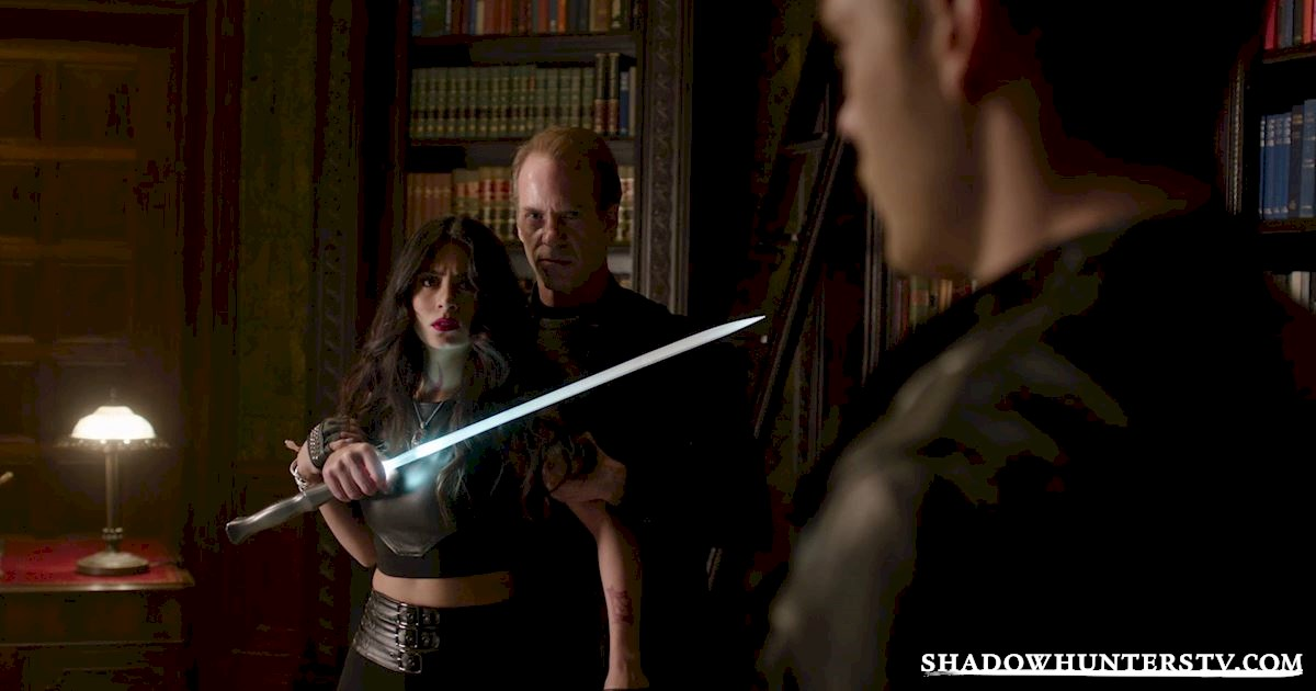 Shadowhunters - 40 Moments You Might Have Missed From The Season One Finale! - 1035