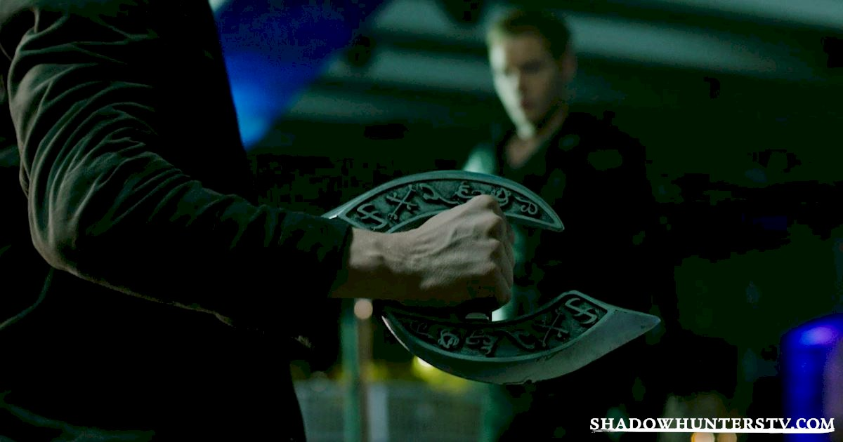 Shadowhunters - 40 Moments You Might Have Missed From The Season One Finale! - 1010