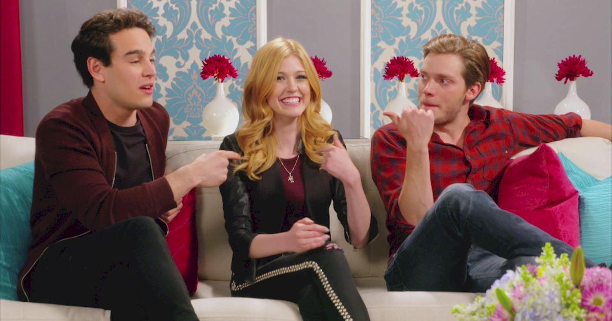 "Shadowhunters - The 10 Best Moments Of The ""Superfan: Shadowhunters"" Interview!  - 1013"