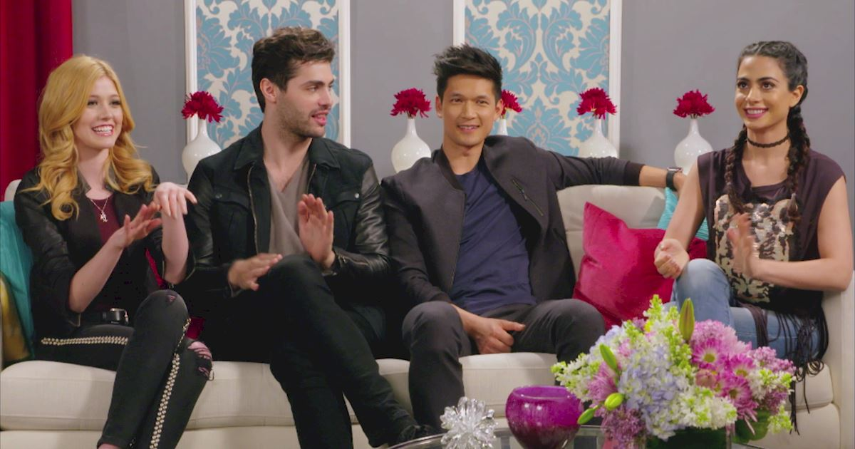 "Shadowhunters - The 10 Best Moments Of The ""Superfan: Shadowhunters"" Interview!  - 1015"