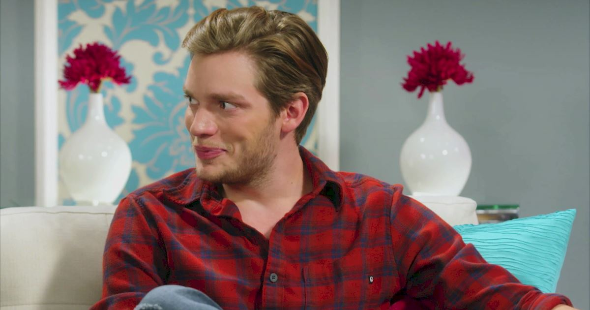 "Shadowhunters - The 10 Best Moments Of The ""Superfan: Shadowhunters"" Interview!  - 1003"