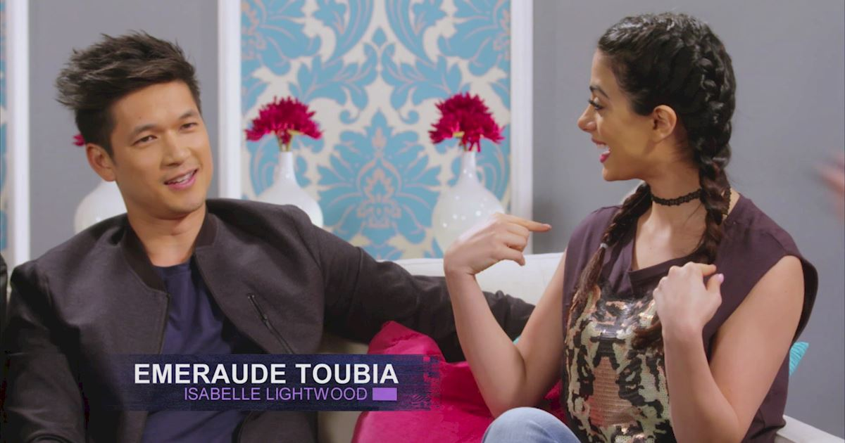 "Shadowhunters - The 10 Best Moments Of The ""Superfan: Shadowhunters"" Interview!  - 1014"