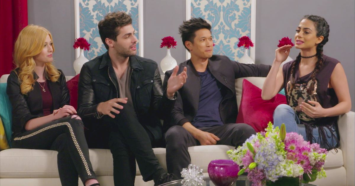 "Shadowhunters - The 10 Best Moments Of The ""Superfan: Shadowhunters"" Interview!  - 1008"