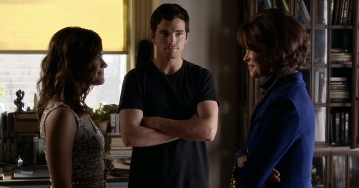 Pretty Little Liars - 11 Reasons Mrs. Fitzgerald Would Be The WORST Mother-In-Law! Is Ezra Even Worth It? - 1001