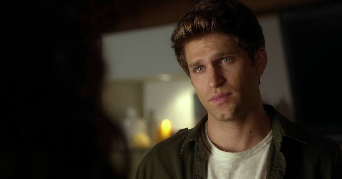 Pretty Little Liars - Toby Has Not Been In Any Of The Season 7B Trailers And We Are Freaking OUT!  - 1005