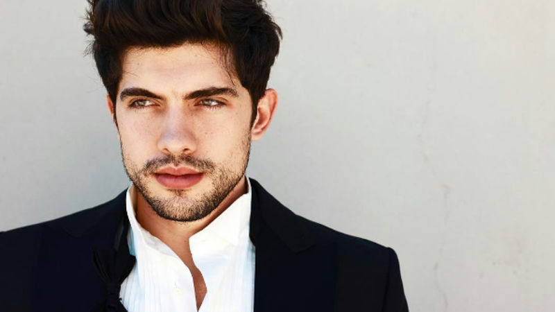 Famous in Love - 8 Awesome Facts You Might Not Know About Carter Jenkins!  - Thumb