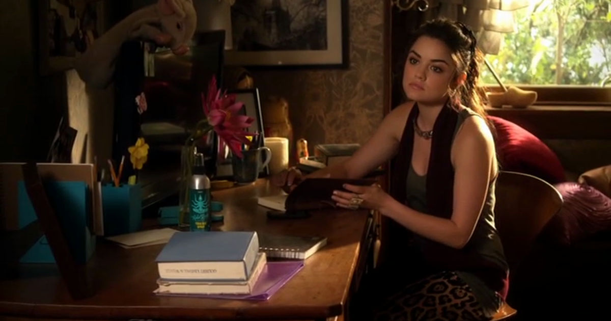 Pretty Little Liars - Who Had The Best Outfit In Episode 43 Of PLL? Vote Now!  - 1001