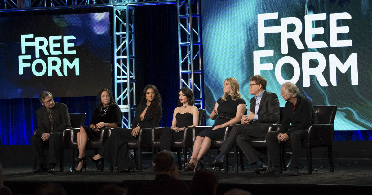 Pretty Little Liars - 11 Exciting Things We Learned From The PLL Panel At The TCAs!  - 1002