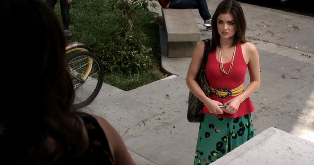 Pretty Little Liars - Countdown Aria's Most Quirky Outfits From Episode 49 With Us! - 1006