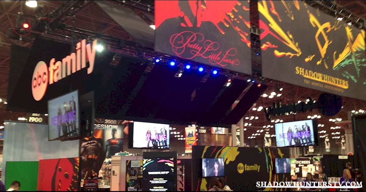 Shadowhunters - Thursday Live Blog: Shadowhunters At New York Comic Con  - 1008