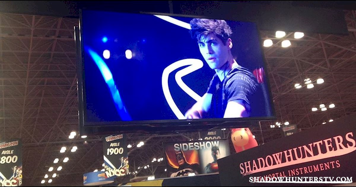 Shadowhunters - Thursday Live Blog: Shadowhunters At New York Comic Con  - 1005