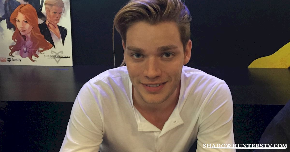 Shadowhunters - Saturday Live Blog: Shadowhunters at New York Comic Con - 968