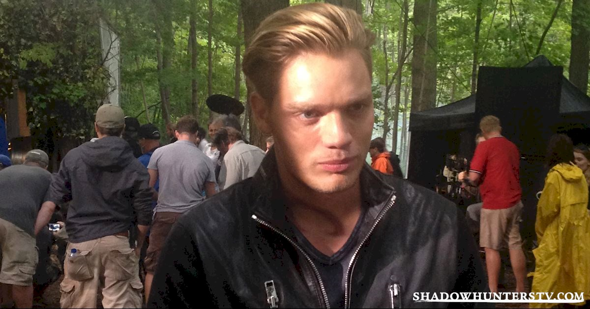 Shadowhunters - [EXCLUSIVE PHOTOS] 10 Times We Fell In Love With the Dudes from Shadowhunters - 1010