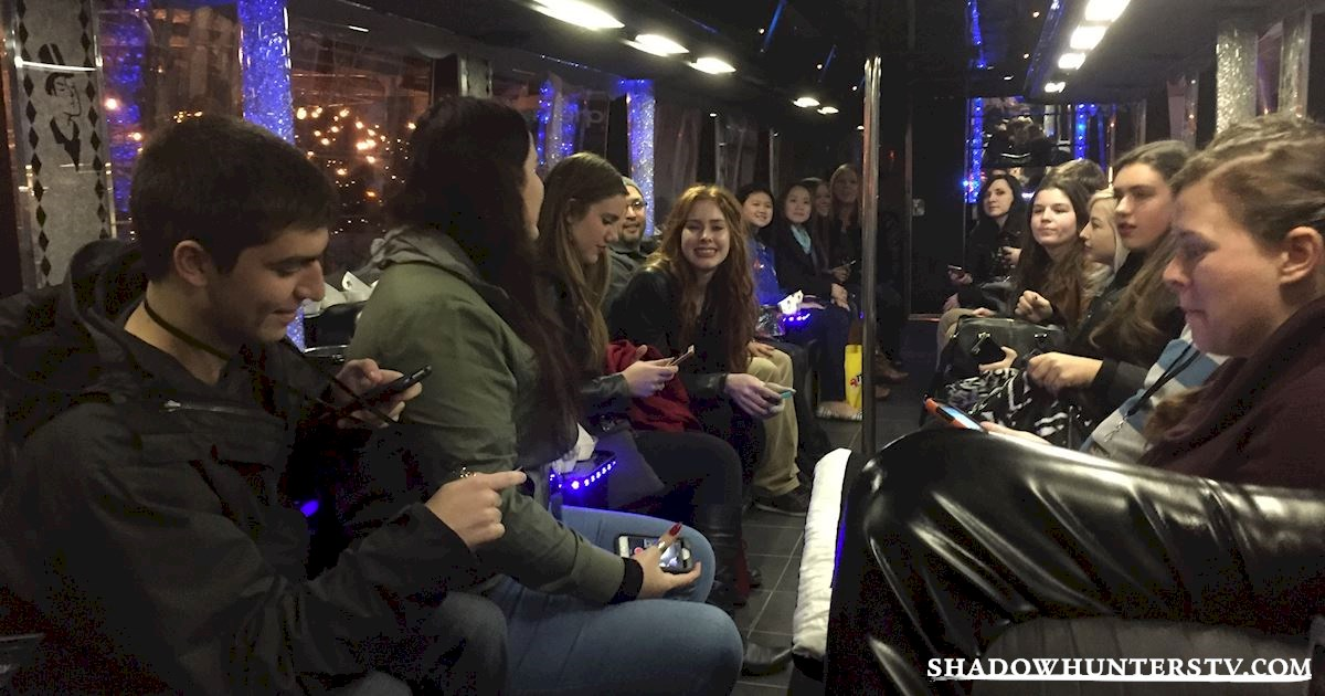 Shadowhunters - Shadowhunters and Superfans Take Manhattan! - 1001