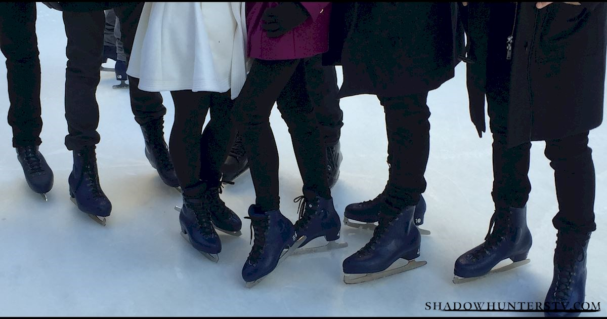 Shadowhunters - Live Blog: A Winter Wonderland with the Shadowhunters Cast - 995