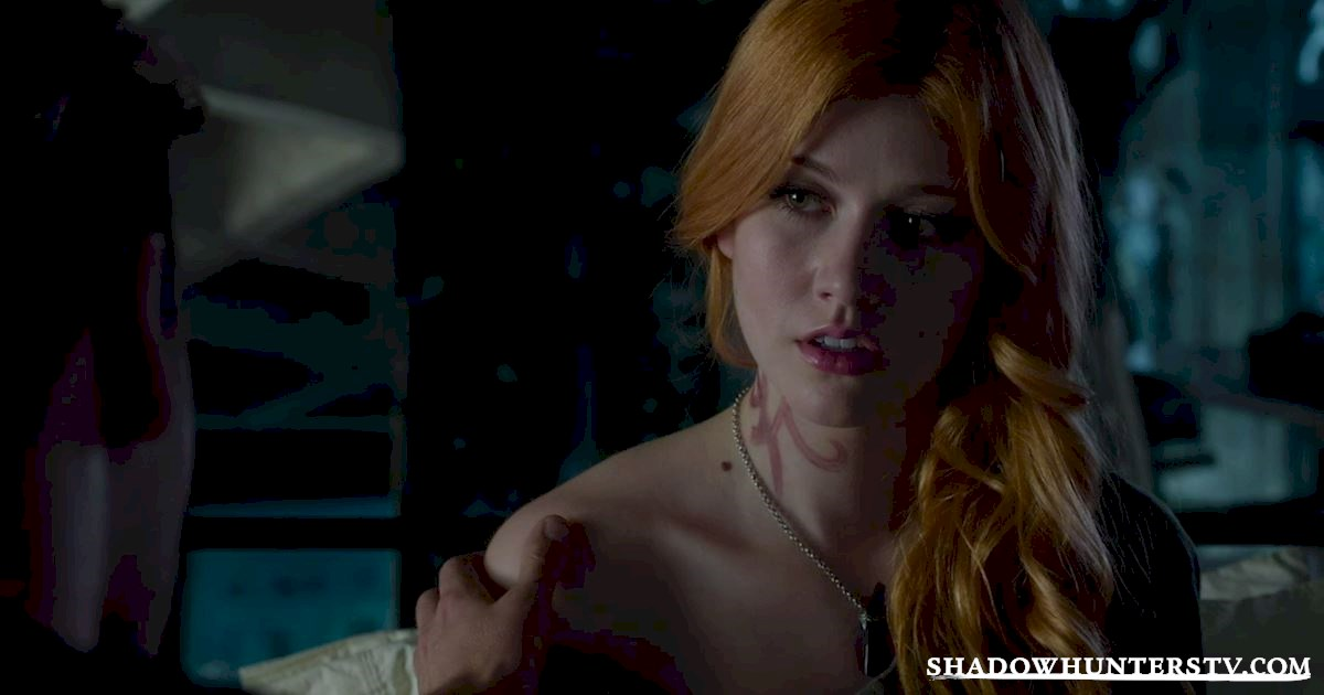 Shadowhunters - 10 Things Only People Who Are Obsessed With Christmas Understand - 1007
