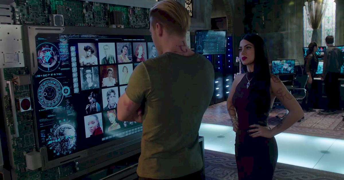 Shadowhunters - 60 Times Izzy And Alec Were Sibling Goals! - 1050