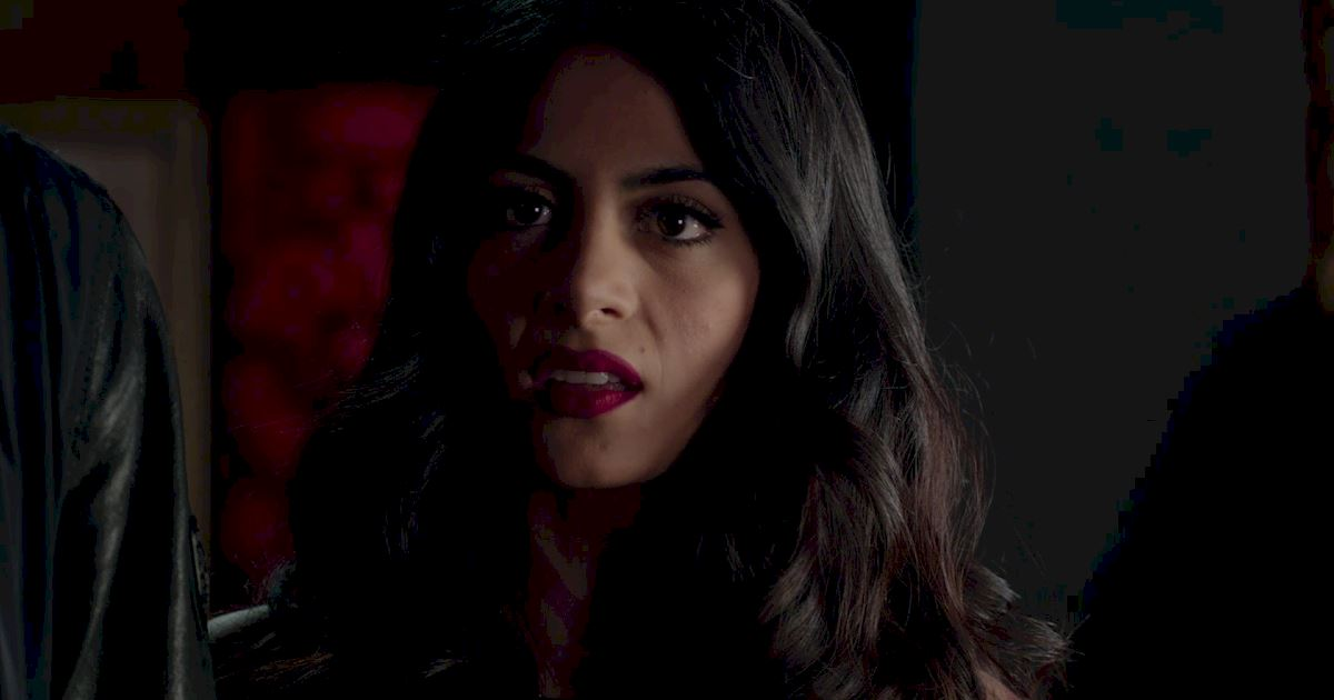 Shadowhunters - 60 Times Izzy And Alec Were Sibling Goals! - 1058